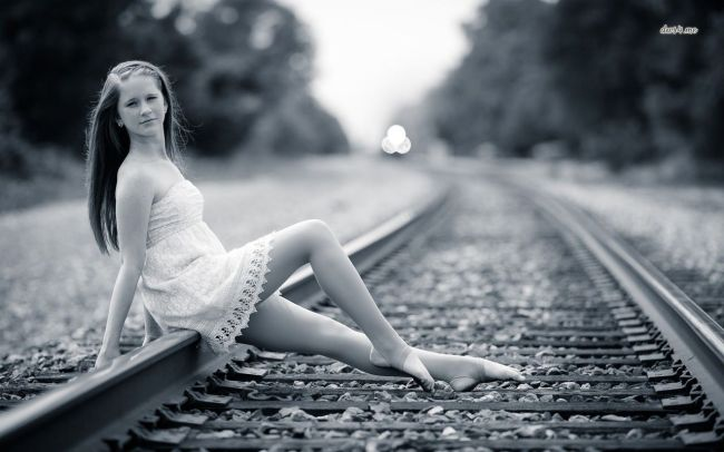 girl-on-the-railroad